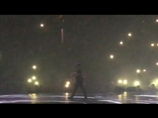 Drake dedicates his show in Boston to Mac Miller as he performs Emotionless. AATTM