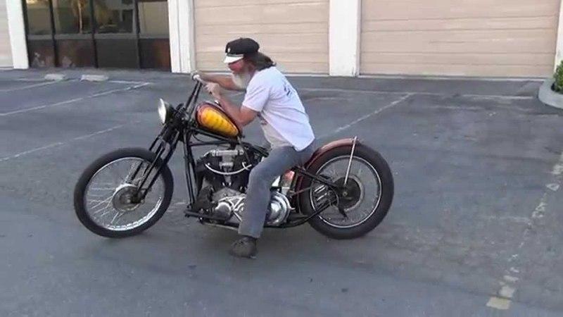 Hunting Harleys, 1946 Knuckle bobber