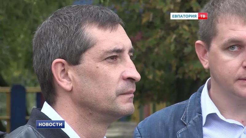 Андрей Филонов обсудил вопросы благоустройства с жителями улицы Чапаева