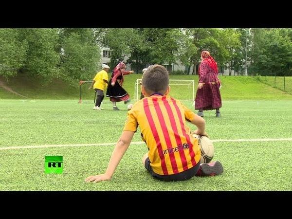 Падали, но поднимались: «Бурановские бабушки» сыграли в футбол с пенсионерками из Лимпопо
