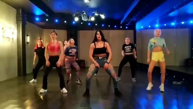 Reggaeton Pa Mala Yo Dana Daniela