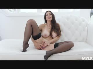 Mindi Mink - Goddess MILF Masturbatation [Milf, masturbation, stockings, lingerie, big tits, 1080p]