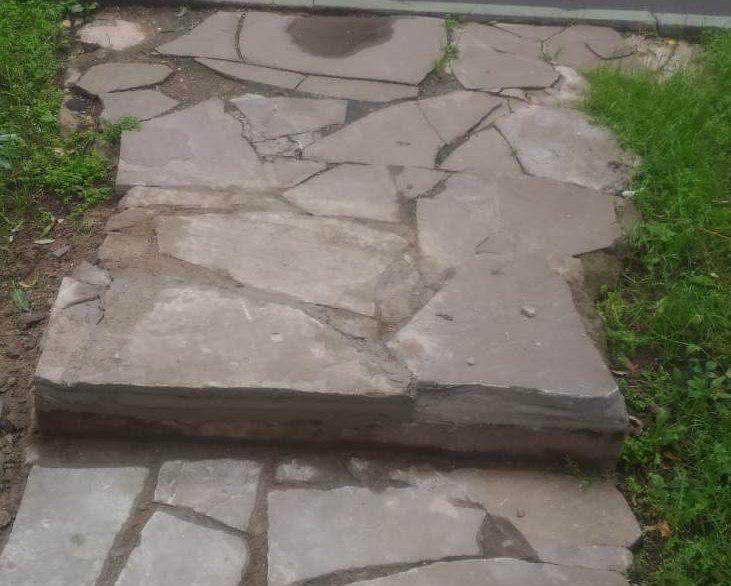 Пешеходную дорожку восстановили на Новгородской улице