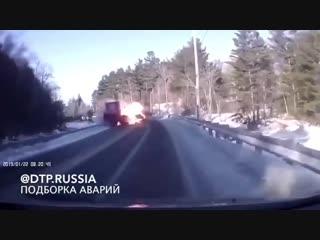 В США 18-летний водитель устроил адовое ДТП. Самое удивительное что все живы.
