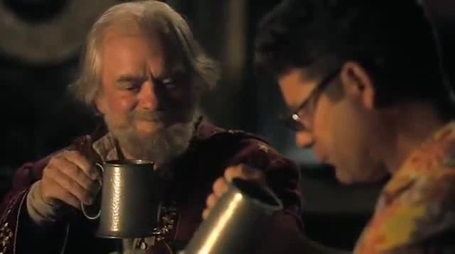 Непонятный тост из экранизации Цвет волшебства по Терри Пратчетту
