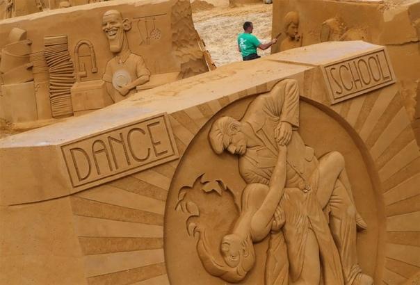 Удивительные работы с бельгийского фестиваля песчаных скульптур