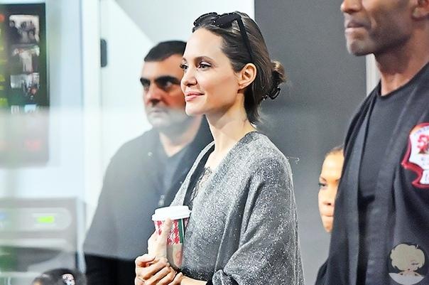 Анджелина Джоли поддержала дочь на соревнованиях