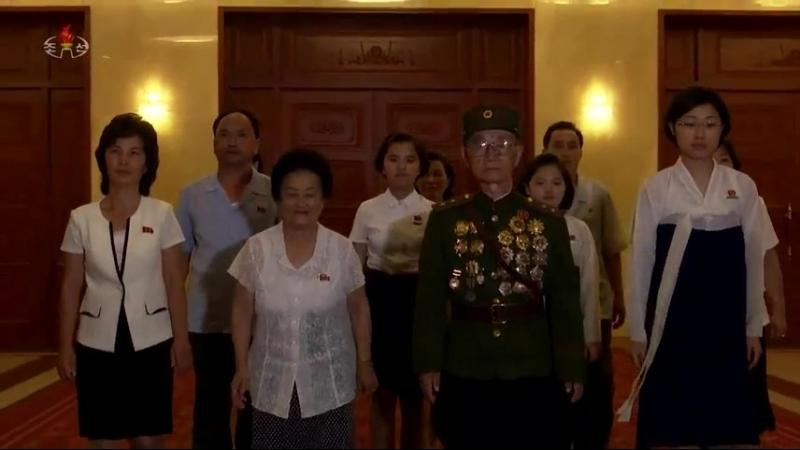 할아버지의 종군화첩을 펼치며 -평양건축종합대학 학생 리수영-