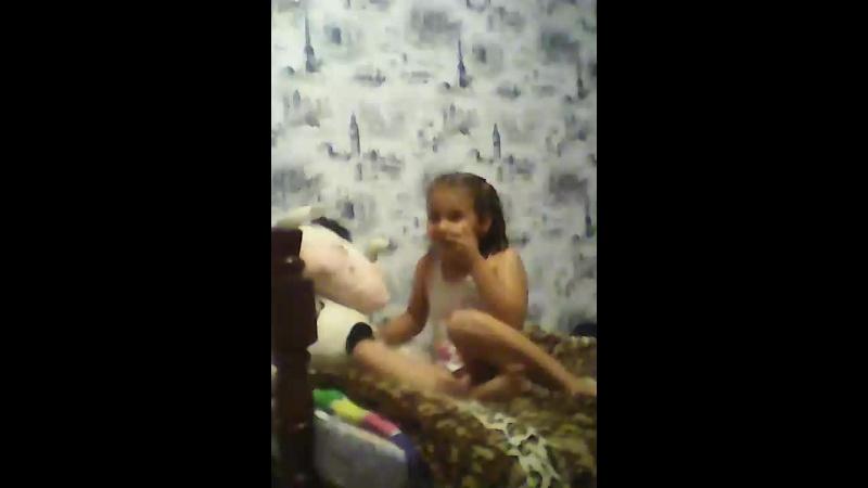 Маленькая девочка Рера