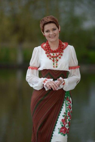 вишиті сукні в українському стилі купить 782570b2ec203