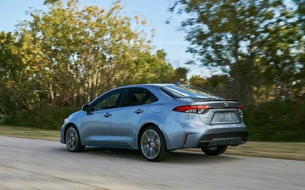 Toyota представила новую Corolla. Компания Toyota представила седан Corolla нового поколения для американского рынка. Новинка переехала на платформу TNGA, получила новую внешность, двухлитровый