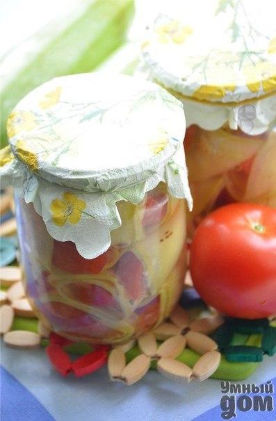 СУПЕР ВКУСНОТА - Кабачковые рулетики в маринаде Ингредиенты 2 шт( средних) кабачка или цукини 2-3 шт помидора зелень петрушки или сельдерея Маринад: 1л-воды 1,5 ст.л-соли 2ст.л 9% уксуса 3-4шт-душистого перца соцветия или семена укропа Как приготовить Кабачки нарезать вдоль тонкими ломтиками,бланшировать в кипящей воде 5мин. Помидоры нарезать ломтиками.Положить на каждый ломтик кабачка по ломтику помидора,свернуть все в рулетики и плотно уложить их в банку,перекладывая зеленью петрушки или…