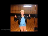 Miley Cyrus first Vine video ever! (Magic trick)