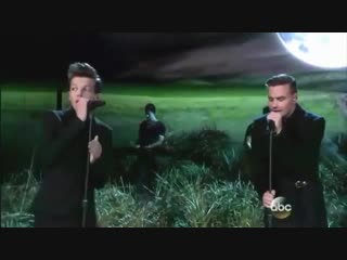 it's been 4 years since one direction performed 'night changes' at the american music awards