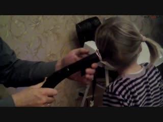 Наш папа умеет делать хвостики! )))