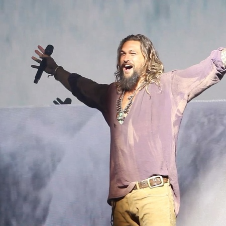 "BadTaste.it on Instagram: ""Momenti dalla Sala H - Ecco l'ingresso del cast di Aquaman  JasonMomoa PatrickWilson AmberHeard NicoleKidman Ja..."
