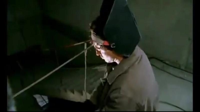 Клип из фильма бригады Под музыку краски он не знает не чего