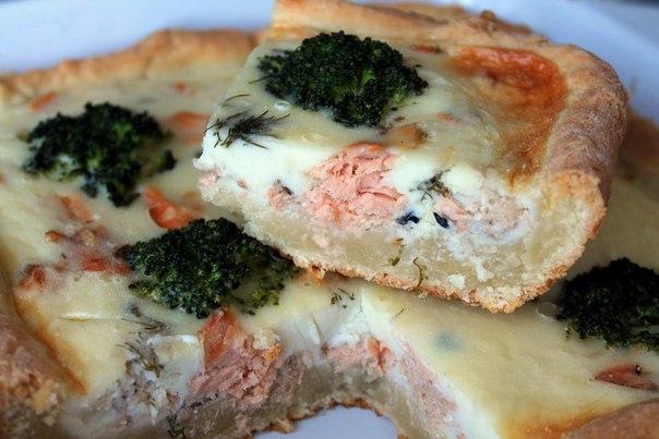 Пирог из консервированной рыбы с