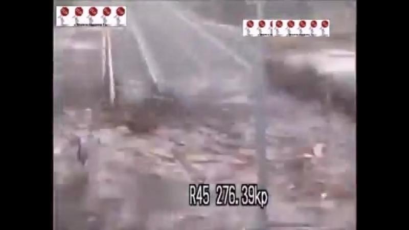 Цунами в Японии ( запись с камер видеонаблюдения ) ....360