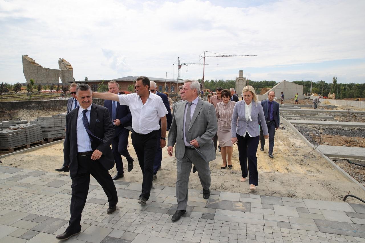 Под Таганрогом строительная готовность комплекса «Самбекские высоты» составляет 75%