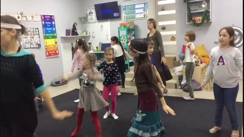 Театрально- танцевальные занятия в клубе Сова