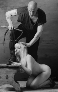 Рабыня в БДСМ, подчинение рабыни, унижение рабыни, рабыня ...