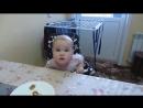 Малышка показывает характер. Разговор папы с дочкой. Прикол