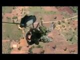 Paracaidista Tailandes se queda colgando en el avión y muere tras no recibir ayuda #VIDEO