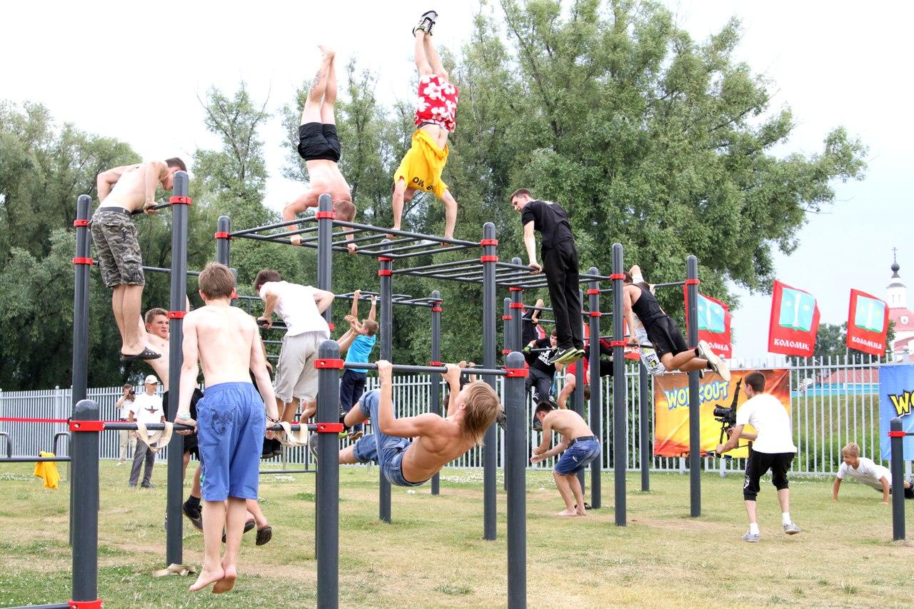 В Коломне прошли первые соревнования по воркауту