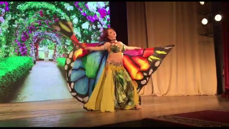 Бабочка в райском саду!