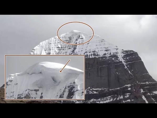 Opening of interdimensional Portal at the top of Mount Kailash caught on tape
