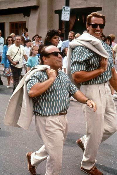 Дени де Вито и Арнольд Шварценеггер 1988 г.х/ф Близнецы