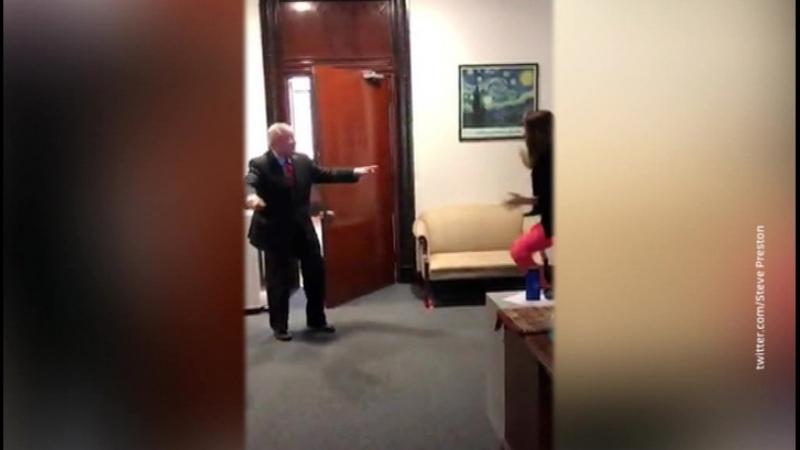 Филадельфийский мэр расстроил Белый дом своими плясками в Сети
