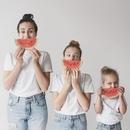 Классные креативные снимки, уже полюбившейся allthatisshe(Инстаграм) с дочками!