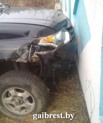 В Ивацевичах сотрудники ГАИ задержали угонщика автомобиля «УАЗ Патриот»