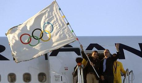 олимпийский флаг символизирует
