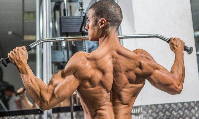 EizbwgYCqXQ Когда лучше тренировать трапеции: в день спины или плеч?
