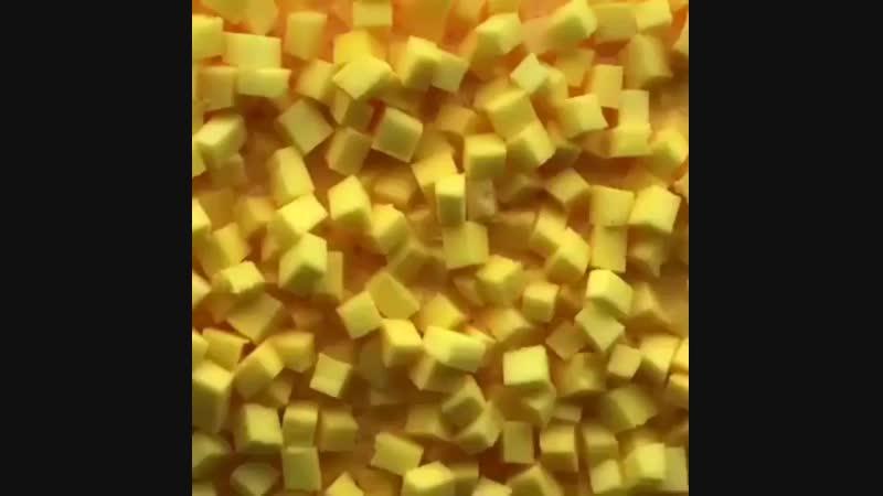 Жмёт классный жёлтый хрустящий слайм