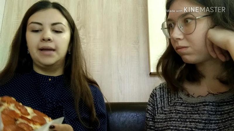 Anna e Katia alla pizzeria