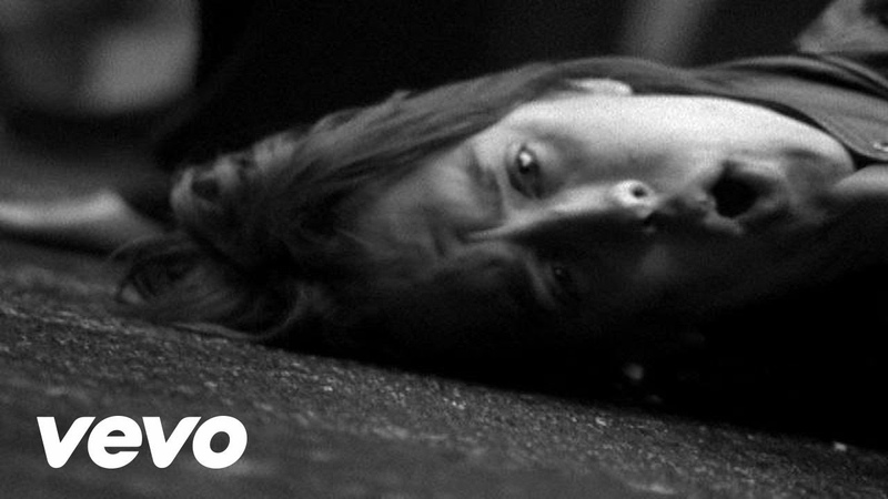 The Strokes - Heart In A Cage (VIDEO)