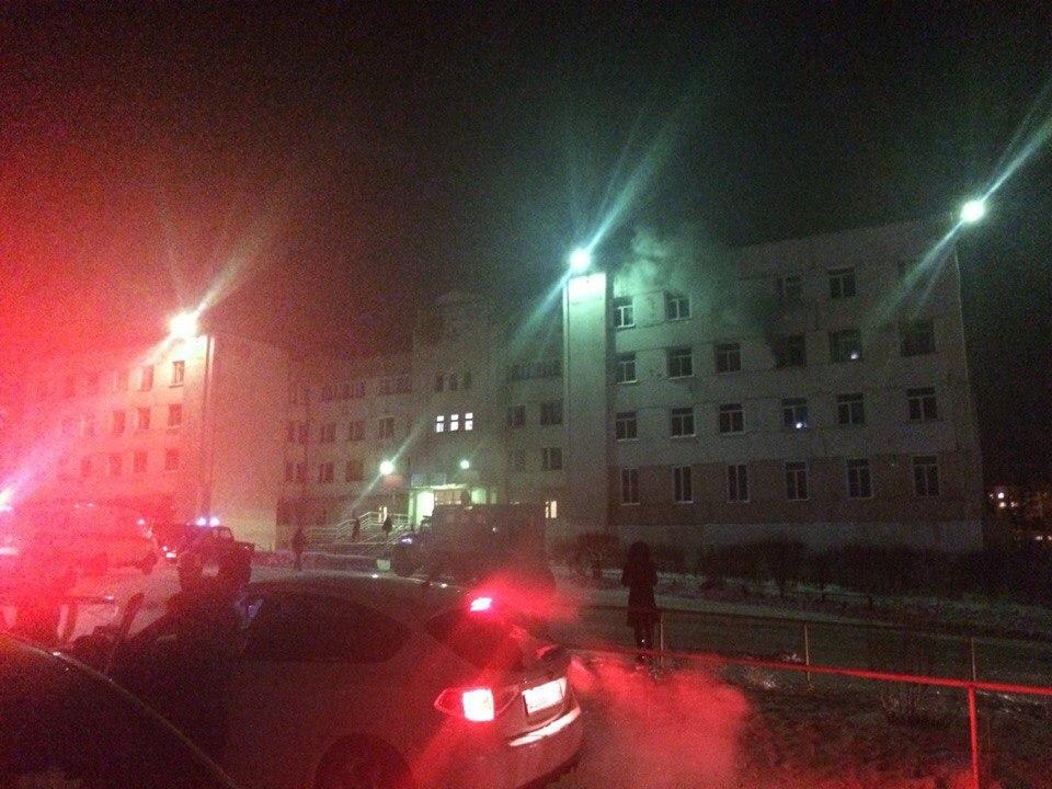 Фотофакт: пожар в нерюнгринской школе