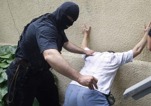 В Якутске поймали закладчика синтетических наркотиков