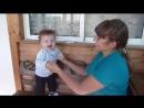Малыш Федя танцует с мамой