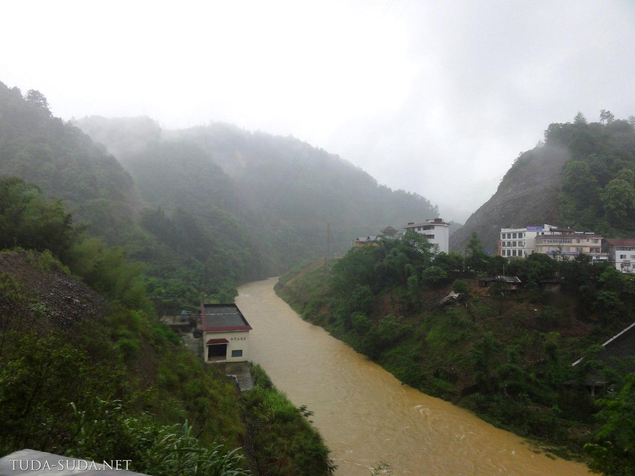 Дорога на рисовые террасы,Китай