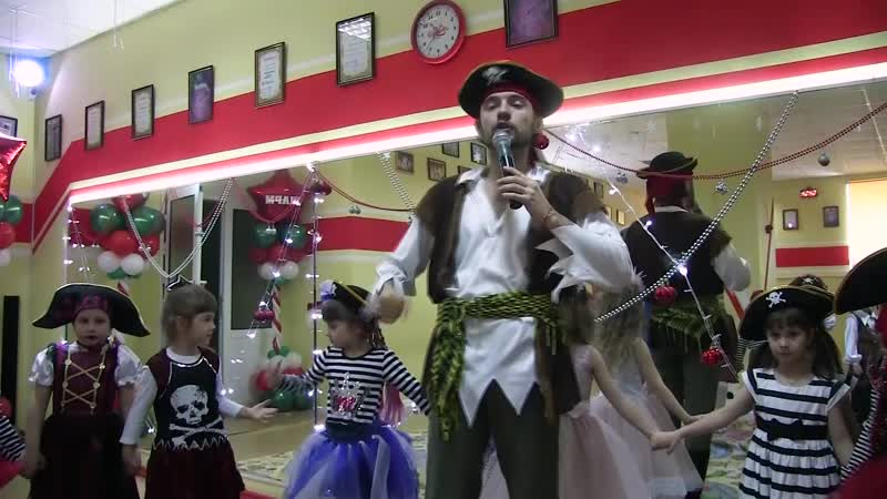 Новогодний праздник в танцевальной студии Шарм