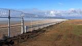 Нет диверсантам Крым отгородился от Украины 60-километровым забором