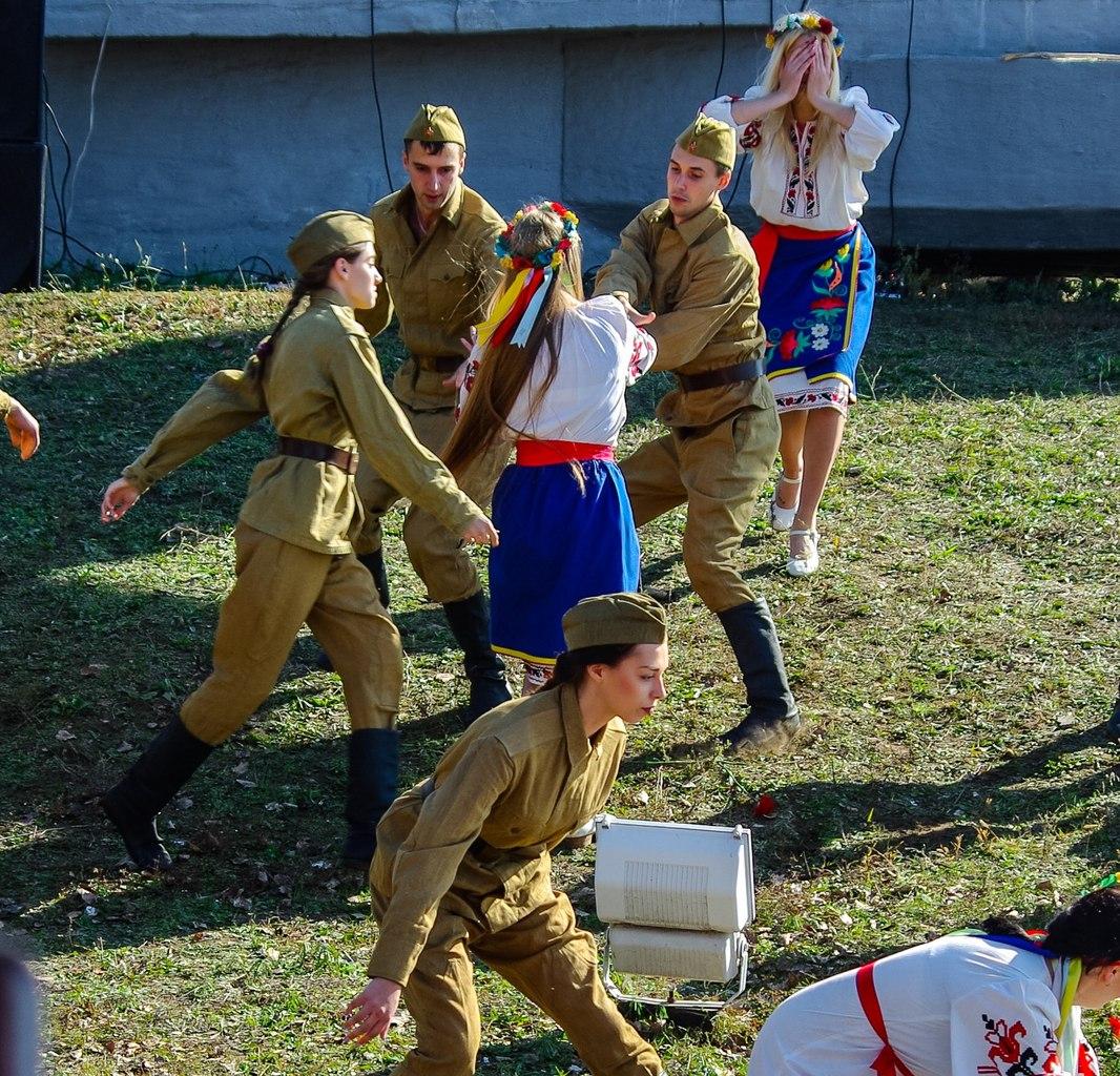 Солдаты насилуют девушек 11 фотография