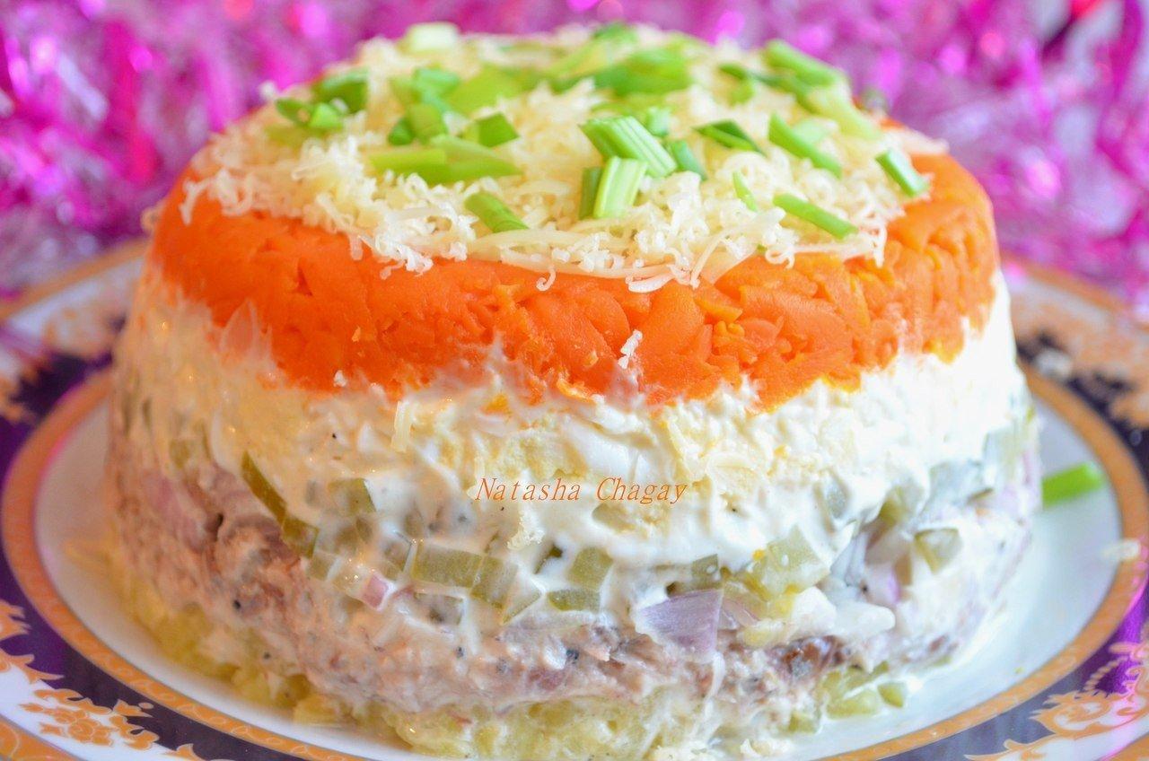 Салат с горбушей и соленым огурцом рецепт