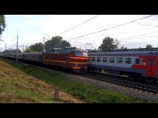 Электровоз ЧС2Т-991 с поездом №212 (Москва → Мурманск) и ЭТ2М-111