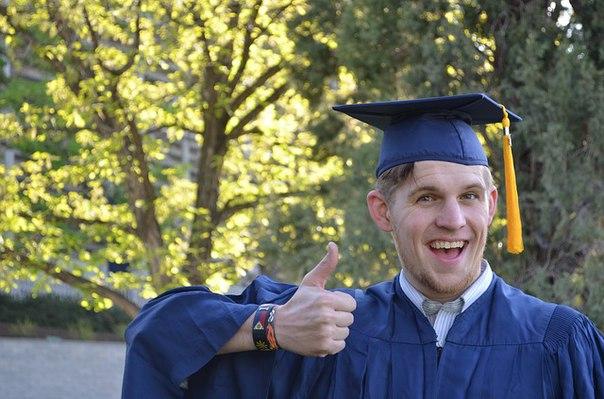 Сайт по продаже фальшивых дипломов закрыли в Хабаровске